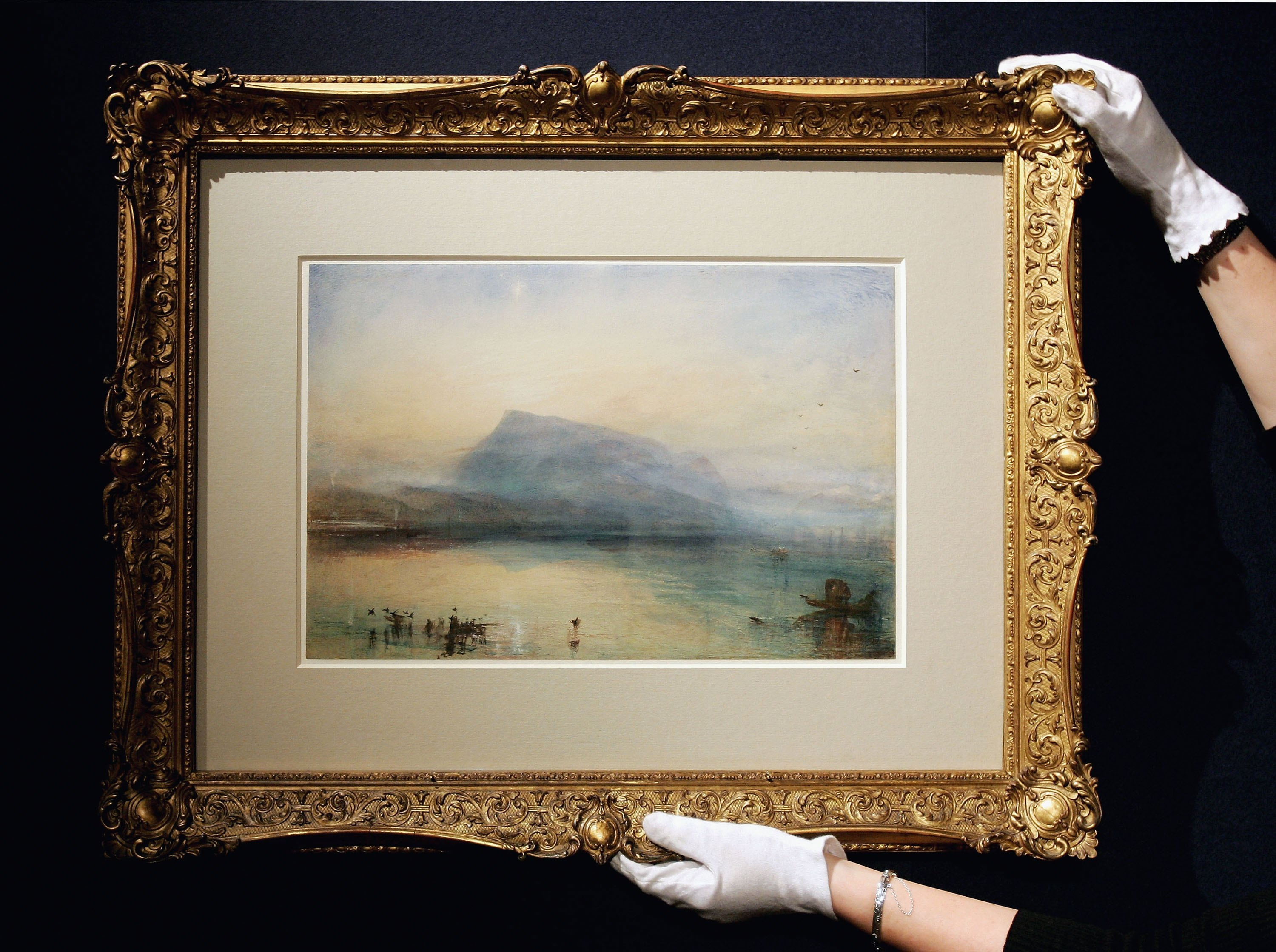 "Акварель работы Уильяма Тёрнера (J.M.W. Turner) ""Голубая Риги"" (""The Blue Rigi: Lake of Lucerne, Sunrise"").   (Photo by Chris Jackson/Getty Images)"